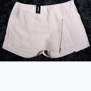 NWT Women's Express blush Skirt/shorts